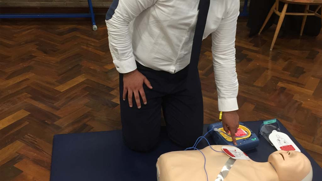 Defibrilator First Aid Course